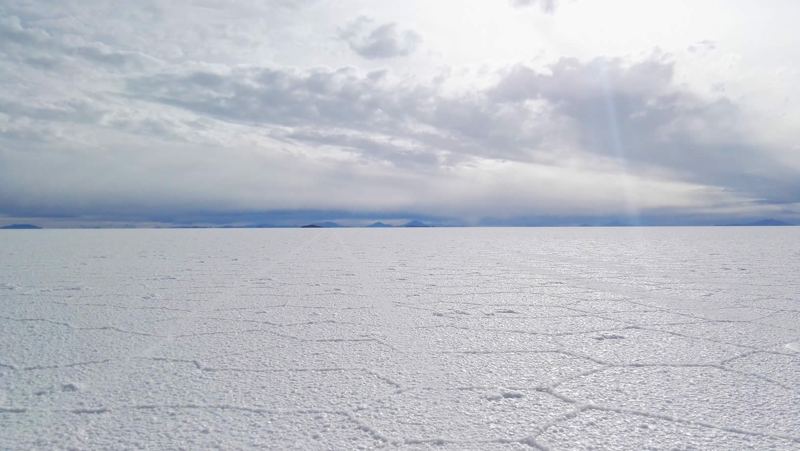 When is the best time to visit the Uyuni Salt Flats?