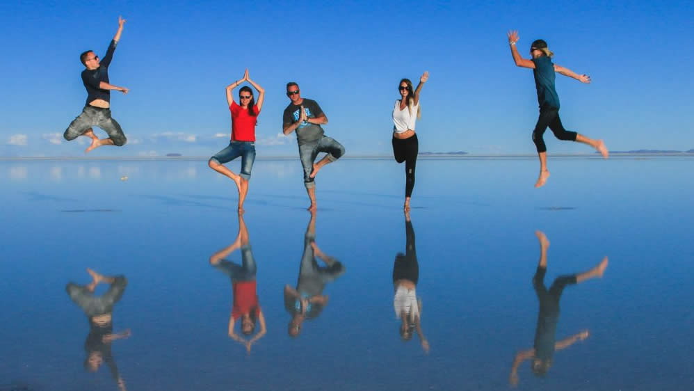 Advantages of booking your Uyuni Shared Tour with us