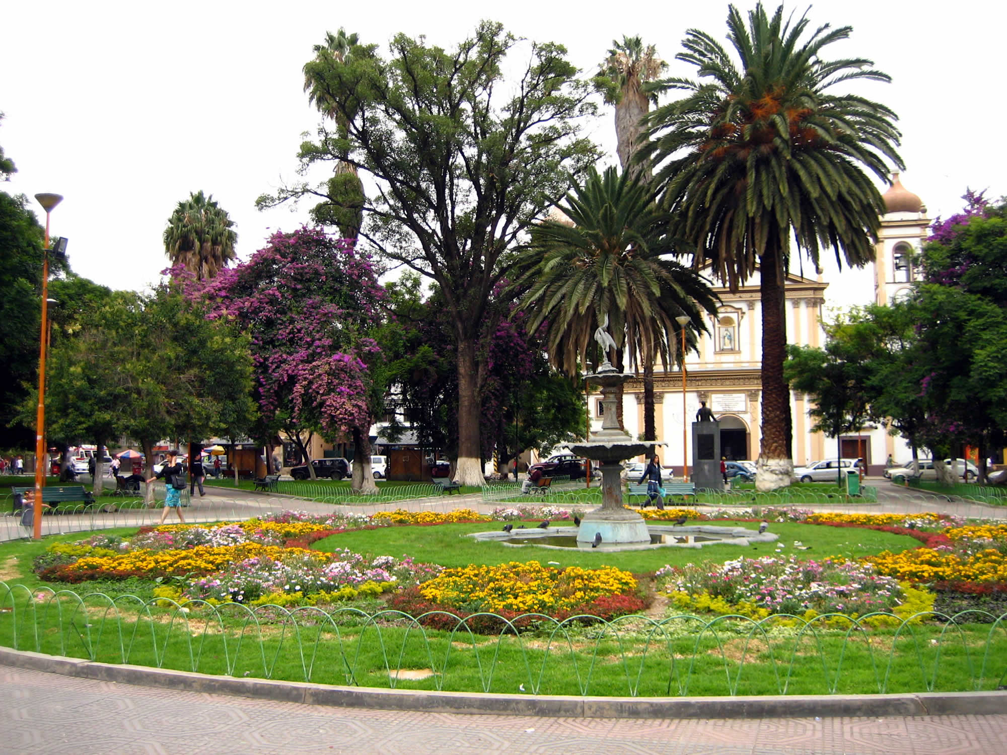 Plaza Colon and El Prado, Cochabamba