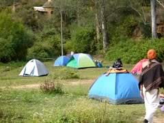 El jardin samaipata alojamiento camping samaipata for Camping el jardin alicante