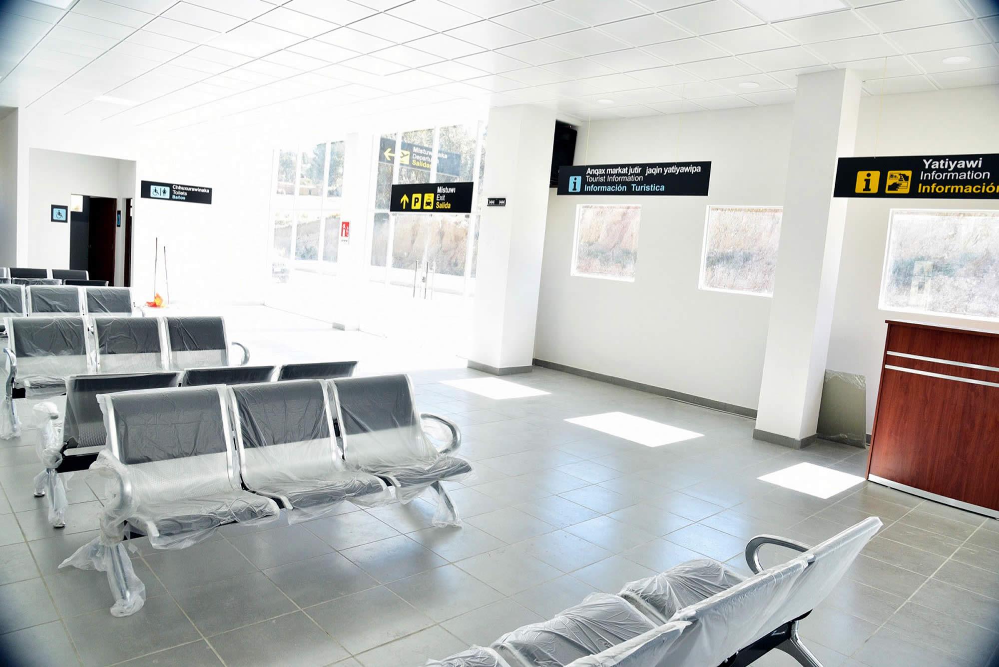 Copacabana Airport, Bolivia
