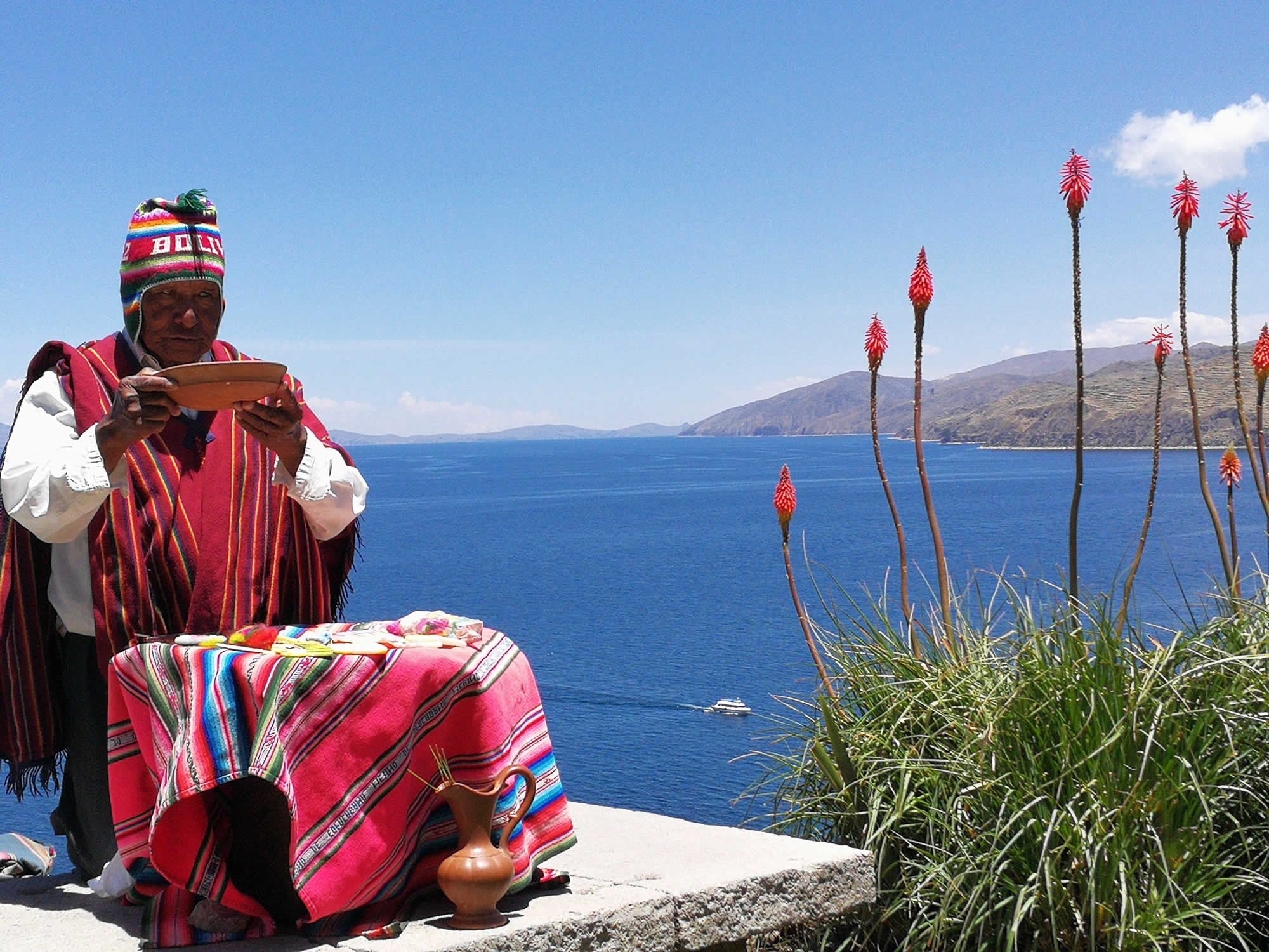 La Paz - Copacabana - Isla del Sol - Puno Shared Tour, Lake Titicaca Tours, La Paz