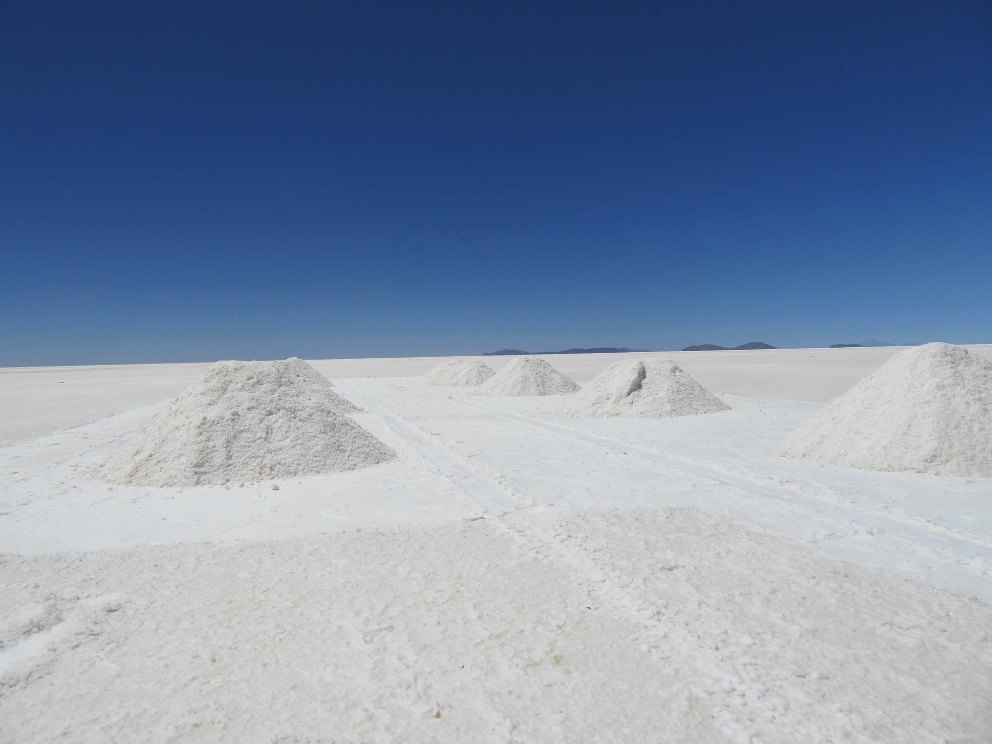 La Paz - Uyuni Salt Flat - La Paz Shared Tour by Bus, 3 Days, 4 Nights