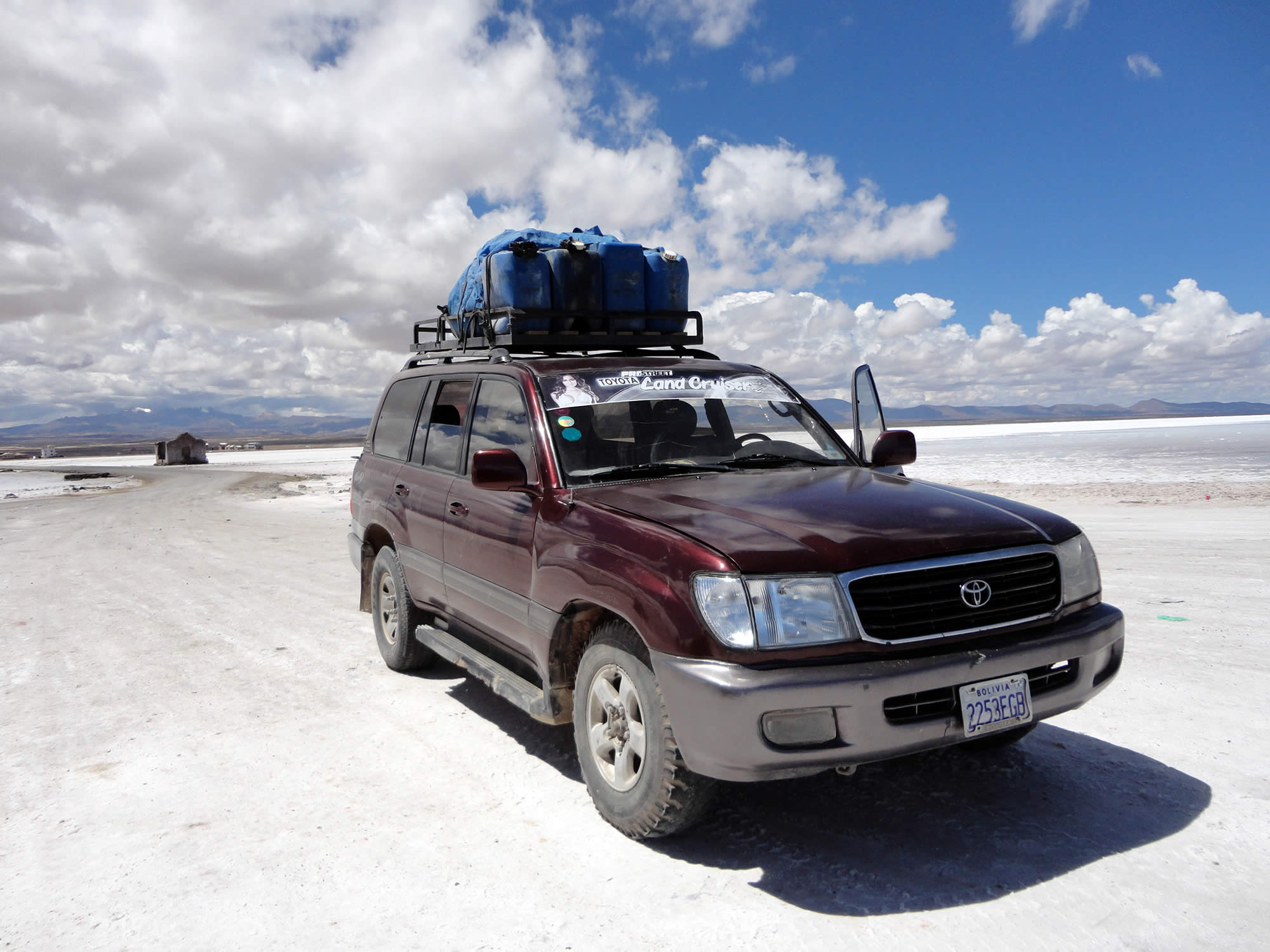 La Paz - Uyuni Salt Flat - La Paz Shared Tour by Plane, 3 Days, 4 Nights