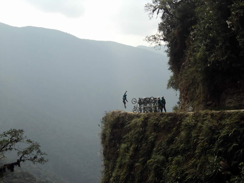 Biking and Zip Line in North Yungas, La Paz