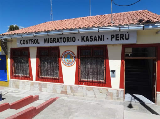 Kasani border crossing